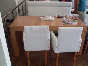Beyaz Kollu Sandalye