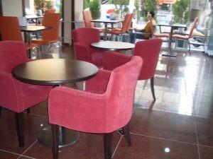 Koyu Pembe Cafe Sandalyesi