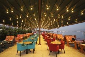 Marina Cafe Koltuk Masa