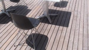 Siyah Plastik Metal Ayakli Sandalye